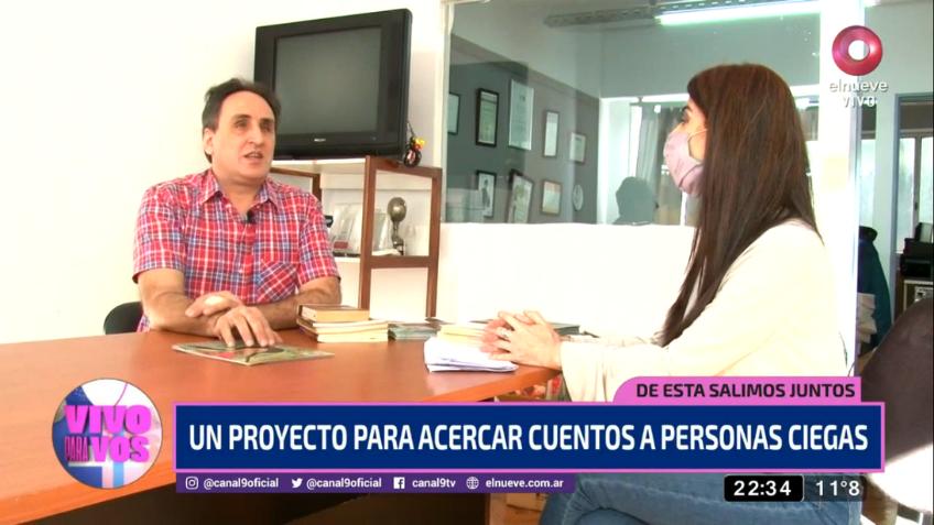 Imagen de Pablo Lecuona, director de Tiflonexos, siendo entrevistado durante la nota.